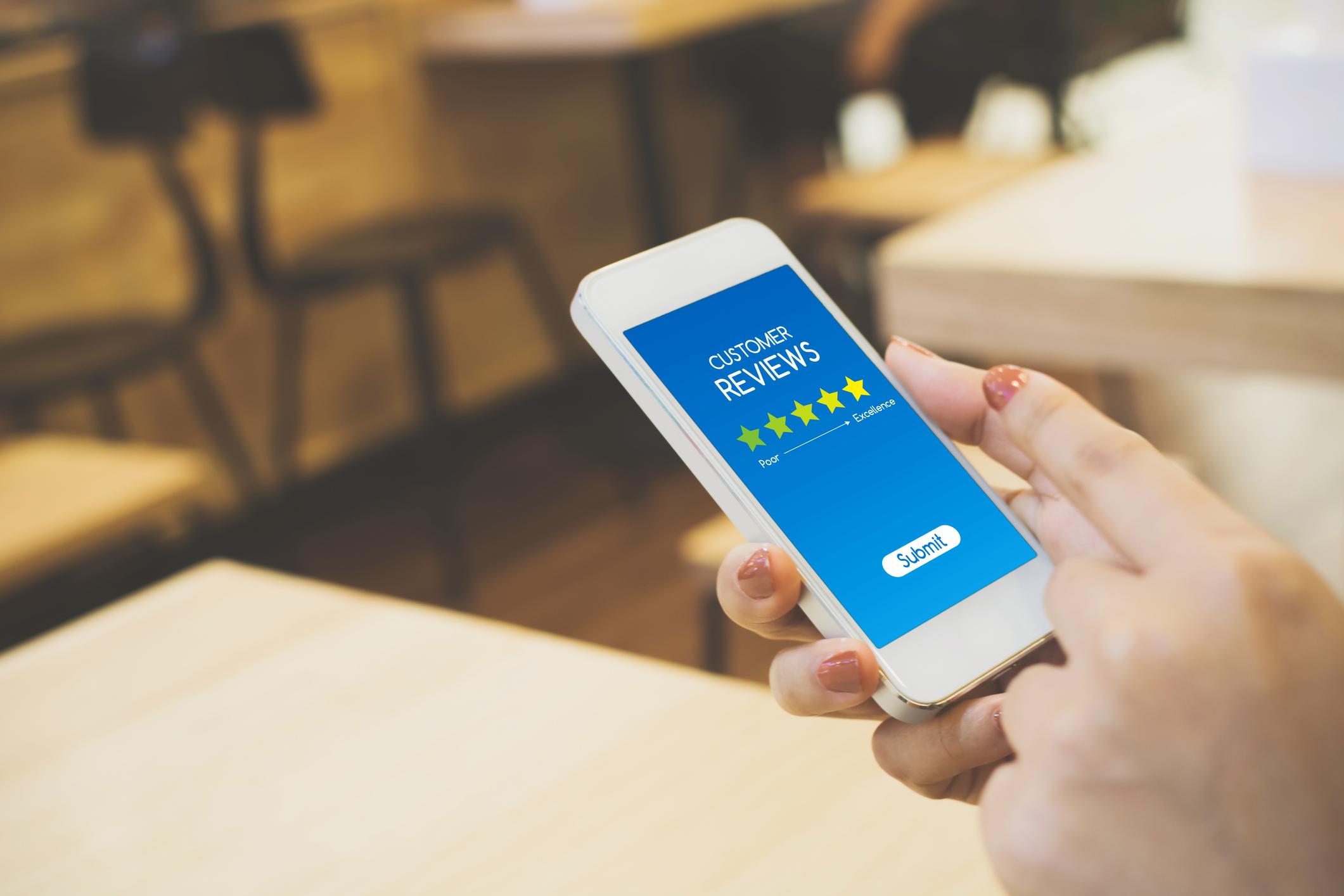 Mobile Phone Customer Review Screen
